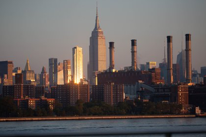 The Manhattan skyline seen from the Brooklyn borough of New York, U.S., on Friday, Sept. 4, 2020. U.S. stocks fell to a two-week low as megacap tech shares came under pressure for a second day, but came off their lows as the holiday weekend approached. Photographer: Michael Nagle/Bloomberg