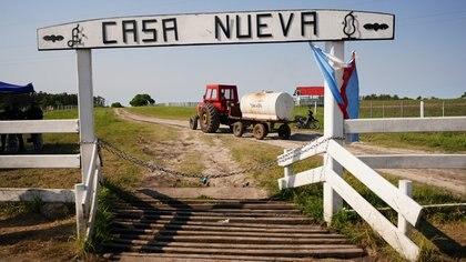 El ingreso al campo de la familia Etchevehere en Entre Ríos (Franco Fafasuli)