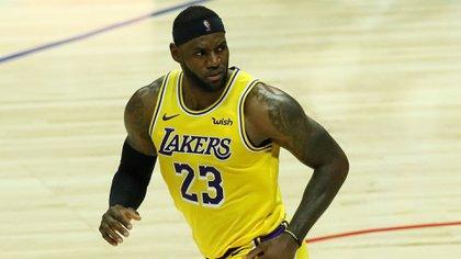 LeBron James, una de las principales figuras de Los Angeles Lakers (EFE/EPA/ETIENNE LAURENT/Archivo)