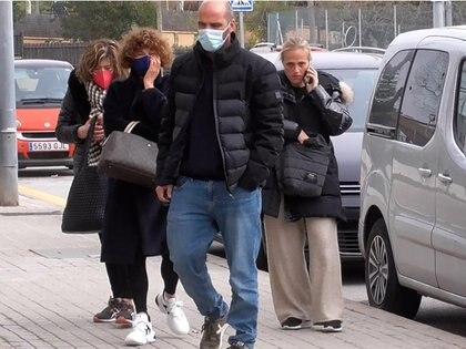 03/03/2021 La familia de Álex Casademunt a su llegada a la capilla ardiente el artista EUROPA ESPAÑA SOCIEDAD