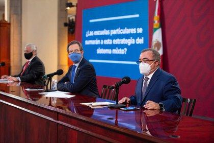 El semáforo epidemiológico regirá la actividad turística en México debido a la epidemia por COVID-19 en el país (Foto: SEP)