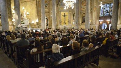 Al momento de la celebración, la capacidad de la iglesia se encontraba colmada