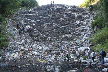 El basurero donde según la Fiscalía fueron incinerados los jóvenes. Foto: Especial