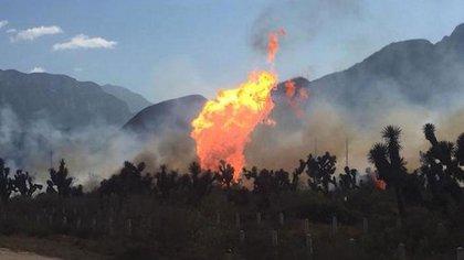 Una imagen de la dramática explosión del gasoducto de Pemex. Murieron 137 personas.