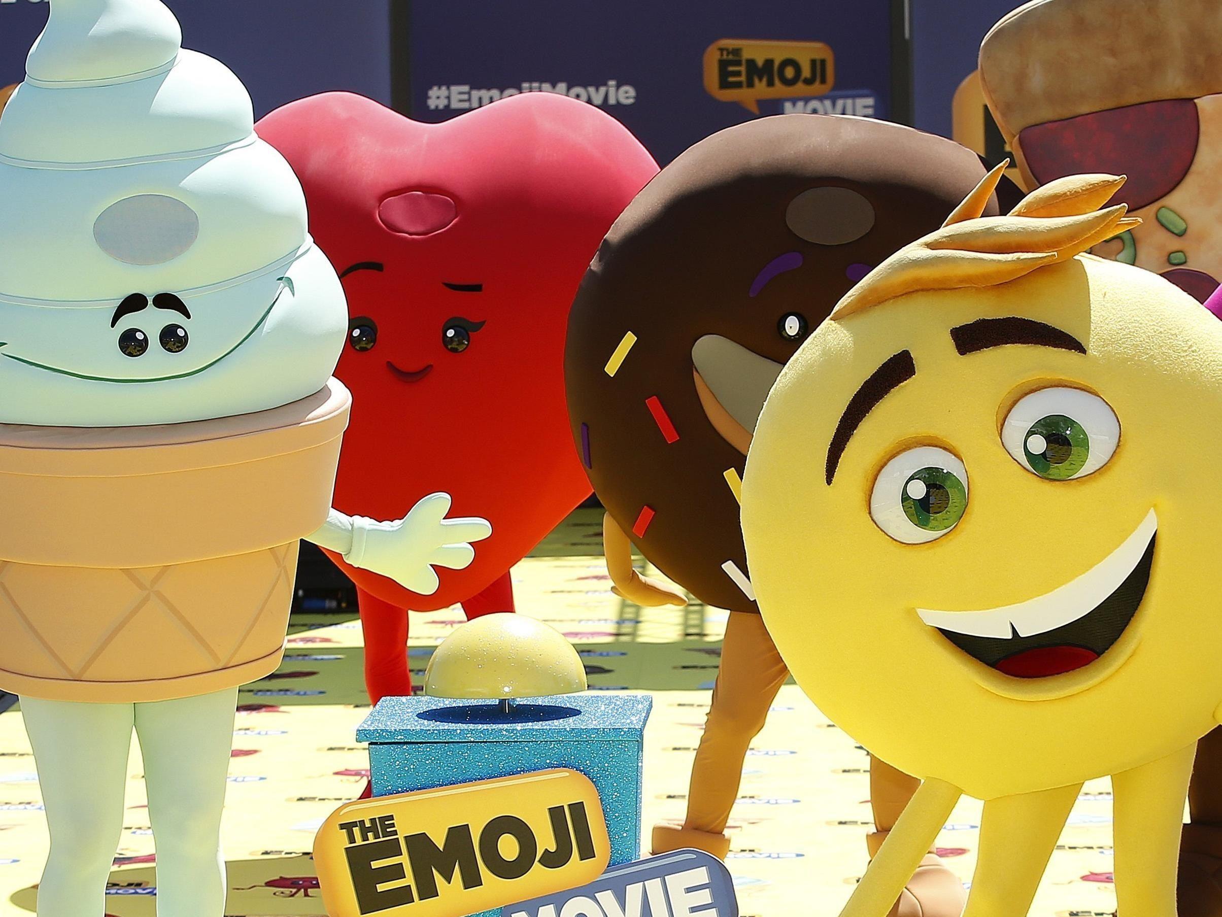 El Día Mundial del Emoji, que se celebra todos los 17 de julio, no tiene carácter oficial pero sirve cada año para poner en valor la relevancia que han adquirido. EFE/Sebastien Nogier/Archivo