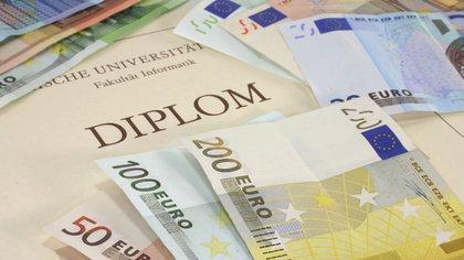 Internet facilita un mayor contrabando de diplomas (iStock)