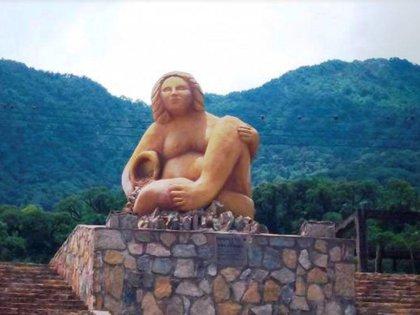 Uno de los tantos monumentos a la Pachamama, que pueden apreciarse en el norte de nuestro país.