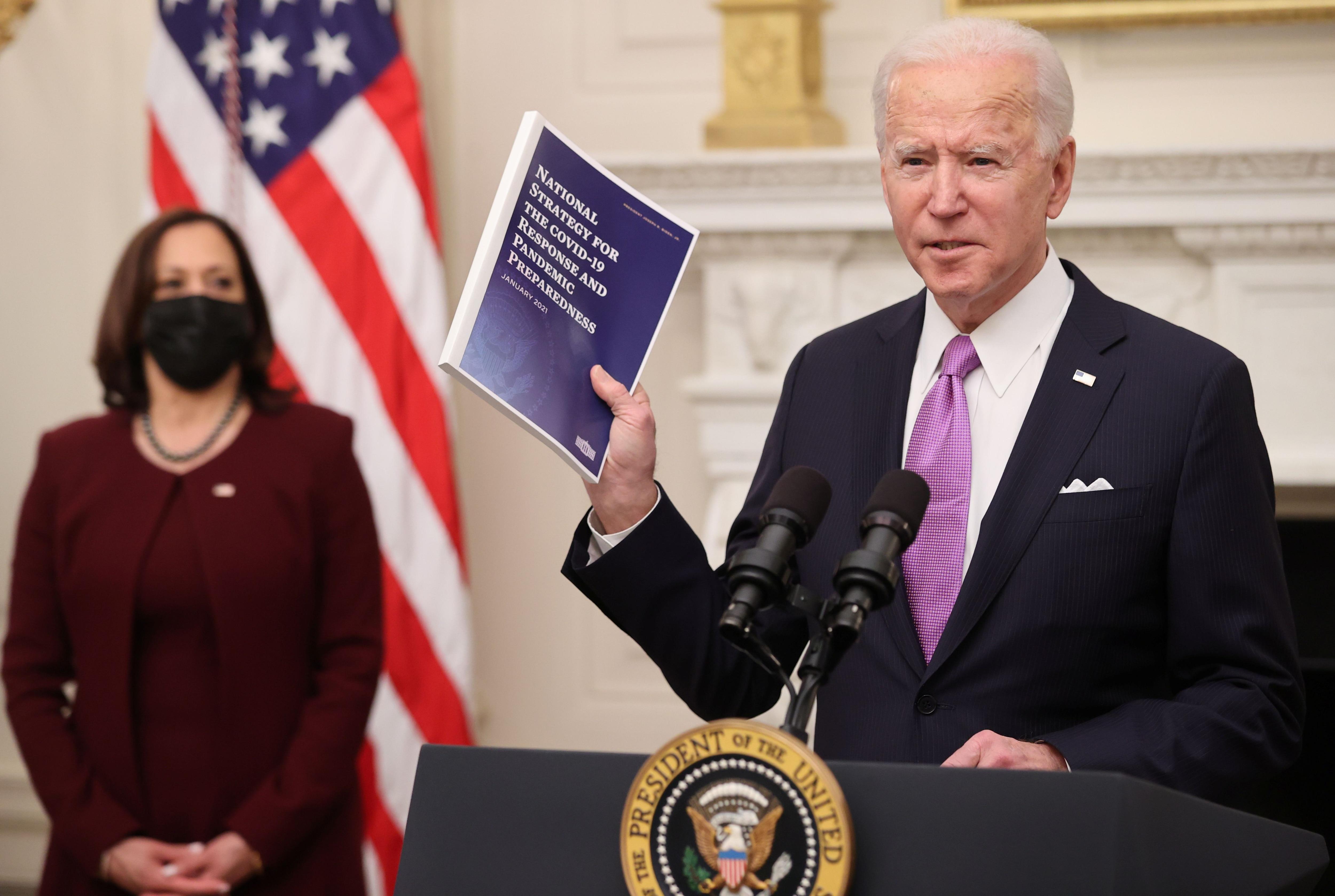 Joe Biden y Kamala Harris en la Casa Blanca (REUTERS/Jonathan Ernst)