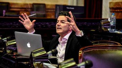 Laspina critico los números del presupuesto y señaló que incluye un ajuste