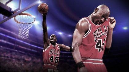 Después del tricampeonato de los Bulls, Jordan se retiró tras el asesinato de su padre. Volvió en el 95 para volver a liderar a Chicago a otros tres títulos de la NBA