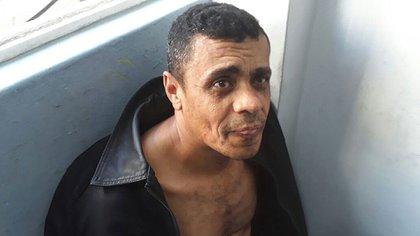 Fotografía cedida por la Policía Militar muestra a Adelio Obispo de Oliveira, sospechoso de apuñalar al candidato presidencial Jair Bolsonaro, hoy, jueves 6 de septiembre de 2018, en la ciudad de Juiz de Fora (Brasil). (EFE)