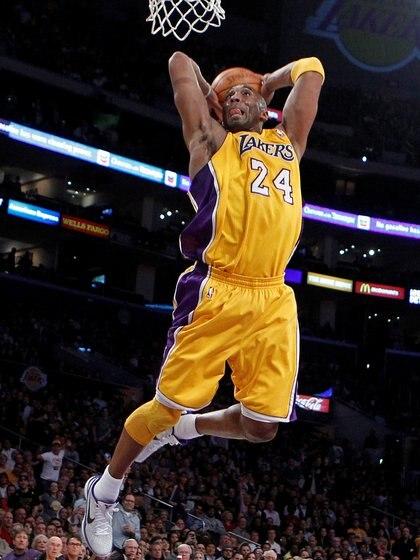 Kobe Bryant es una de las grandes leyendas de la NBA (REUTERS/Lucy Nicholson/File Photo)