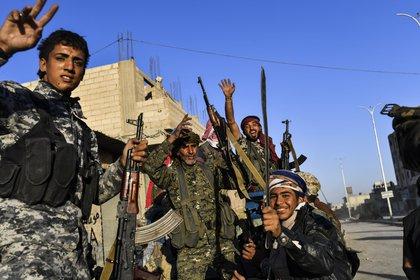 El asedio sobre la ciudad comenzó en junio, pero la larga operación en sus alrededores llevaba casi un año (AFP)