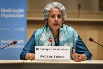La científica jefe de la Organización Mundial de la Salud (OMS), Soumya Swaminathan, durante una conferencia de prensa celebrada en Ginebra, Suiza, el 3 de julio de 2020. Fabrice Coffrini/Pool via REUTERS