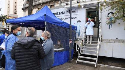 """Se inició este sábado el operativo Detectar en Balvanera: testeos """"casa por casa"""""""