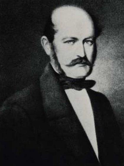 Semmelweis trabajó varios años en el hóspice donde desarrolló su teoría de higiene de lavado de manos (wikipedia)