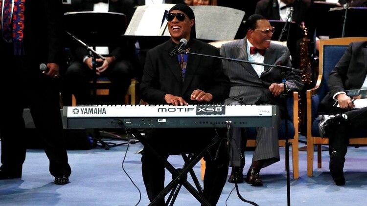 Stevie Wonderen el homenaje aAretha Franklin en Detroit, 2018. REUTERS/Mike Segar/File Photo