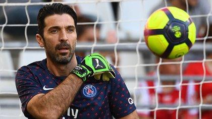 El arquero italiano visitó solamente una temporada la camiseta del PSG (AFP)