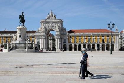 Personas con mascarilla en el centro de Lisboa el 15 de septiembre de 2020 (PEDRO FIUZA / ZUMA PRESS / CONTACTOPHOTO)