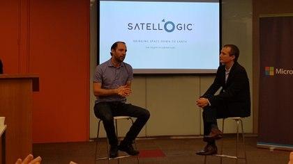 Emiliano Kargieman, fundador de Satellogic junto a Ezequiel Glinsky, director de Proyectos de Transformación Digital de Microsoft Argentina