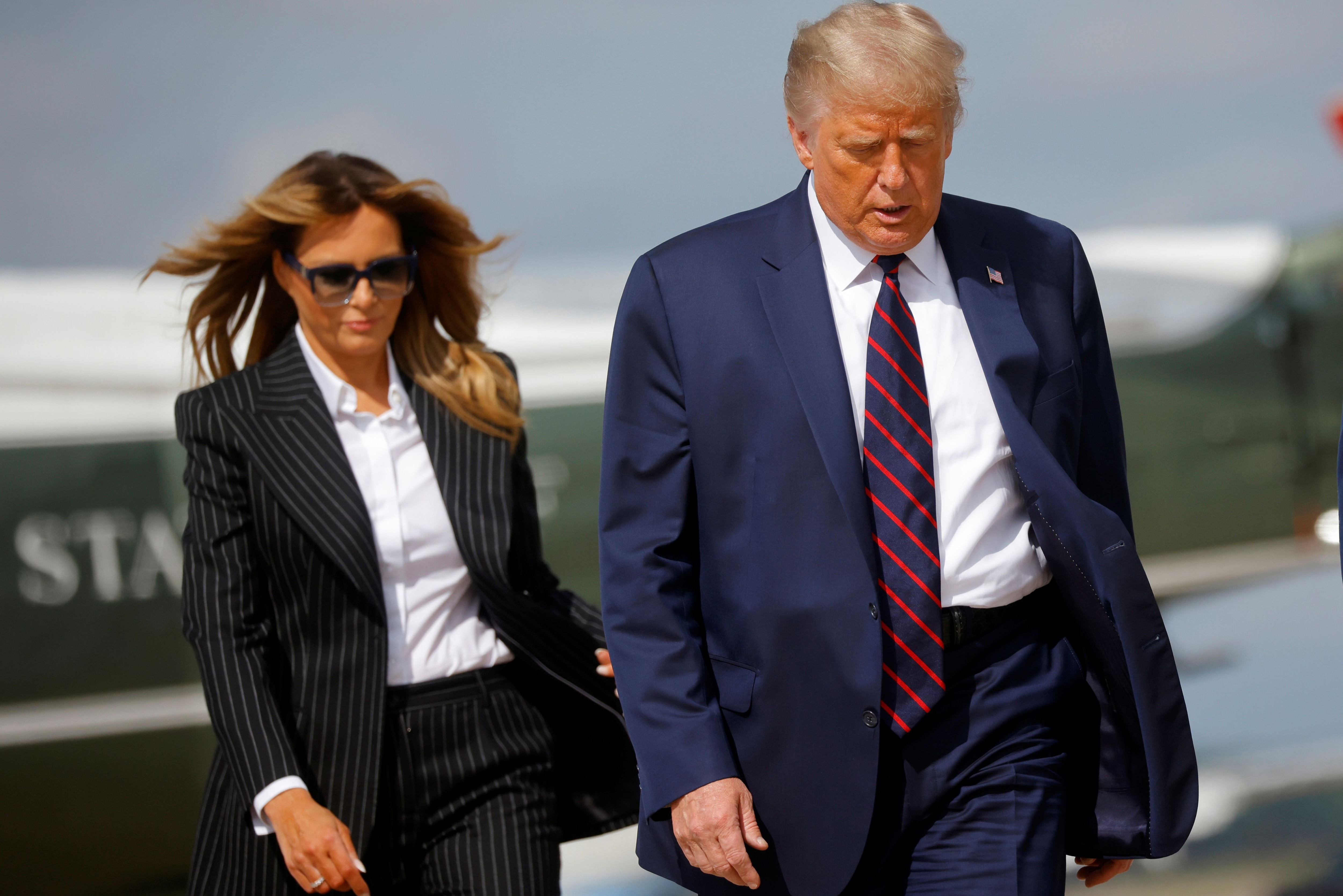 Donald Trump y su esposa Melania, tienen COVID-19
