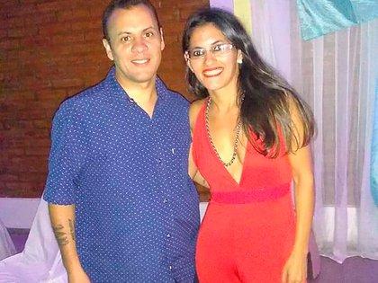 Mauricio junto a su hermana Soledad, a la que conoció hace 2 años