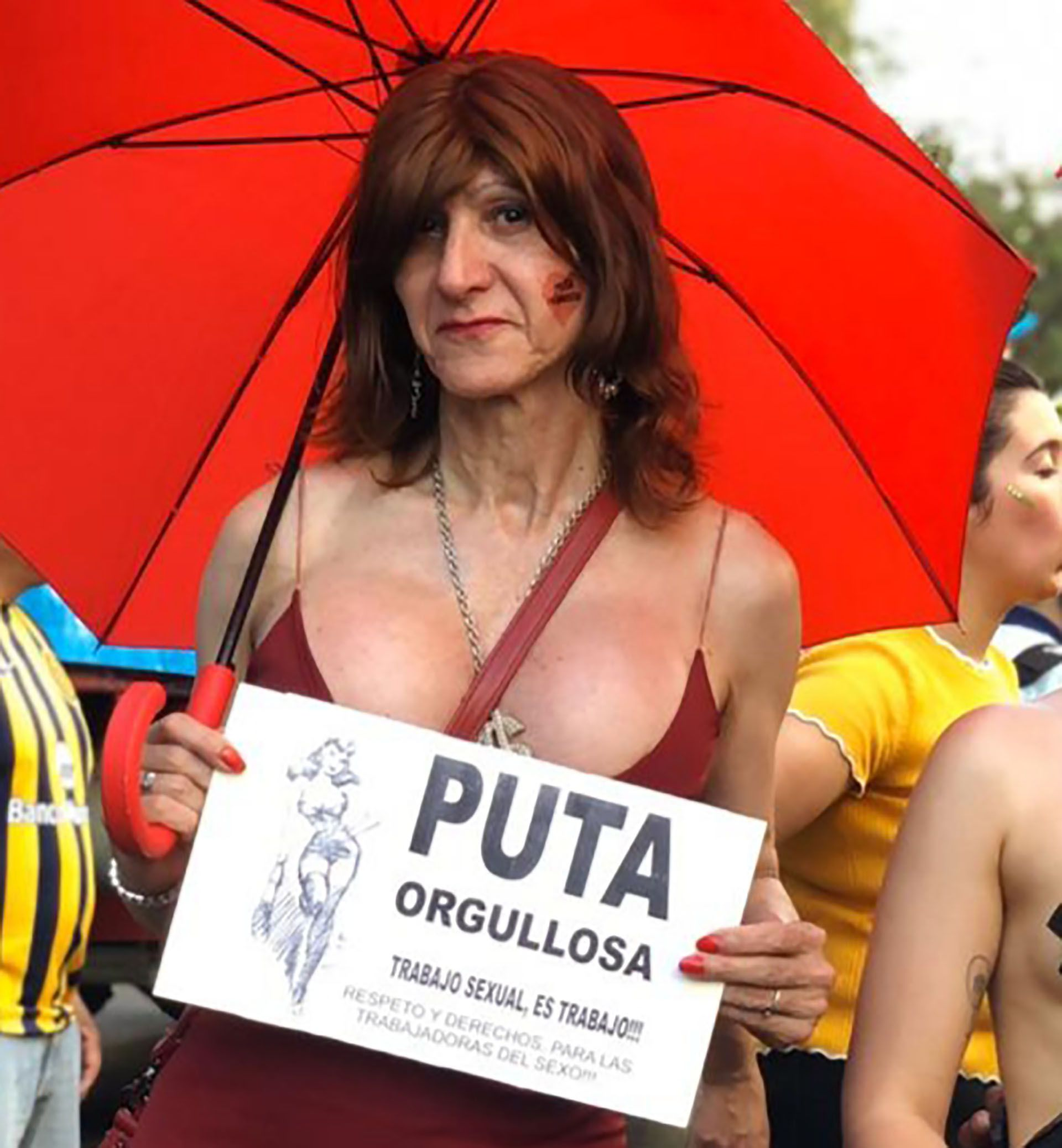 """Melisa D'Oro era docente y hace 15 años, cuando necesitó otro ingreso, eligió el trabajo sexual: """"No me interesa romantizarlo. No es el paraíso. ¿Pero acaso es el paraíso limpiar baños o trabajar 12 horas en la caja de un supermercado?""""."""