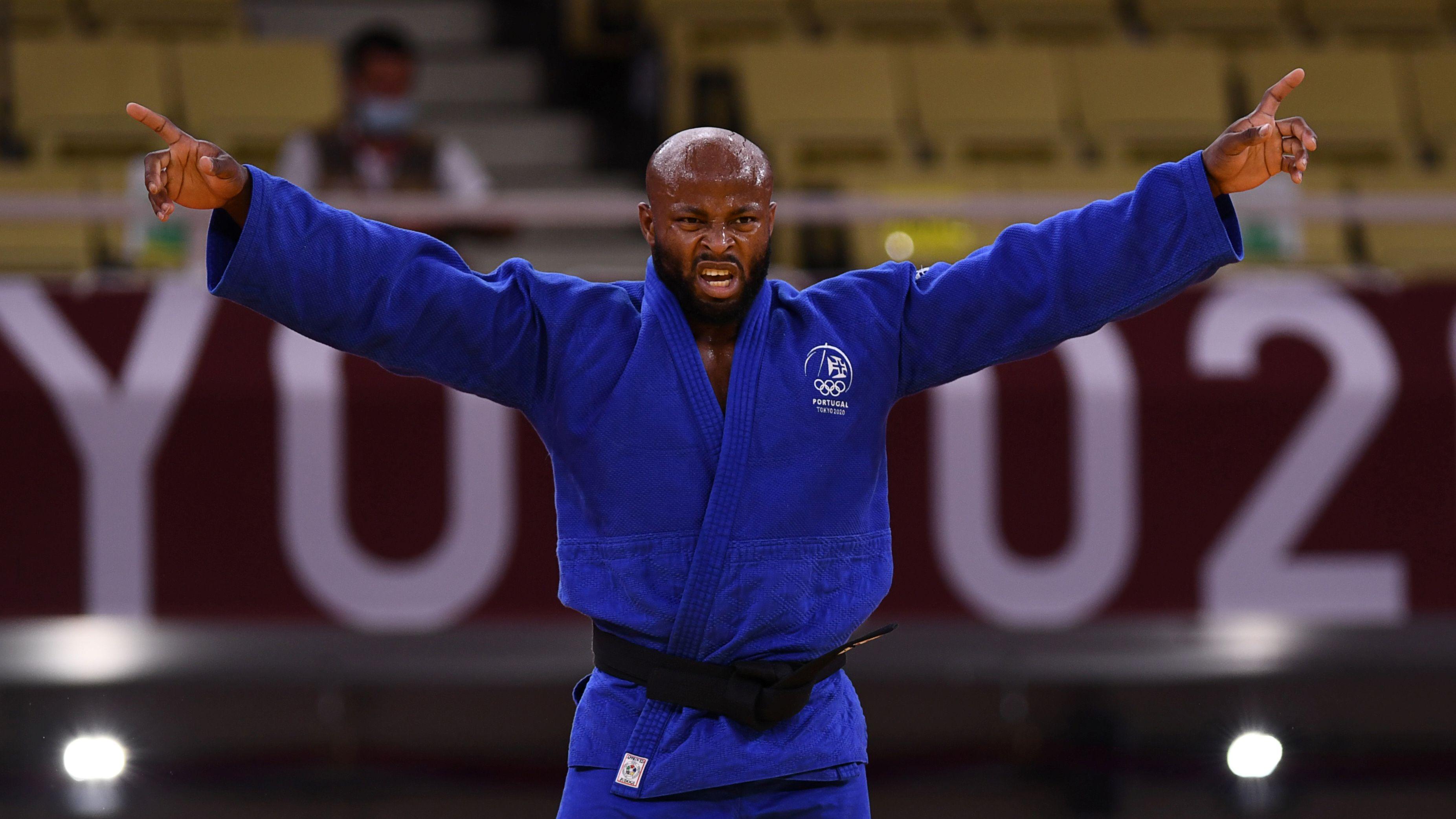 Fonseca celebra su primera medalla olímpica (REUTERS/Annegret Hilse)