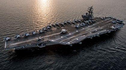 Estados Unidos reforzó recientemente su presencia militar en el Golfo Pérsico, enviando incluso un portaaviones de propulsión nuclear