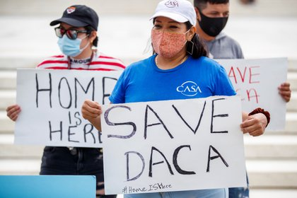 El DACA es el programa que protege de la deportación a miles de dreamers