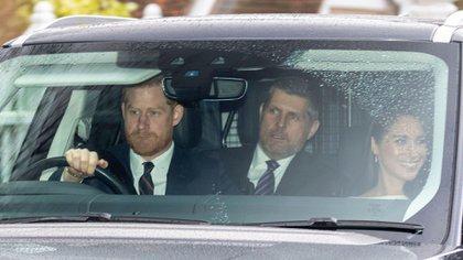 El Príncipe Harry y la Duquesa Meghan de Sussex asistieron a la Iglesia con la Reina (Shutterstock)