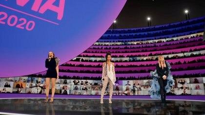 Little Mix, anfitrionas y ganadoras como Mejor artista pop (Foto: MTV)