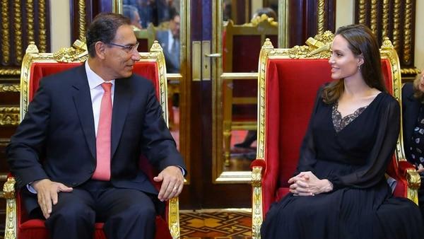 Angelina Jolie fue recibida por Martín Vizcarra, presidente de Perú (Reuters)