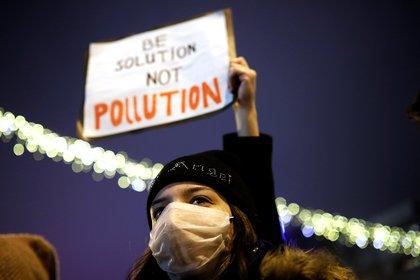 La infertilidad afecta a muchas millones de parejas en todo el mundo, pero se han realizado relativamente pocas investigaciones sobre el impacto de la contaminación del aire (REUTERS)