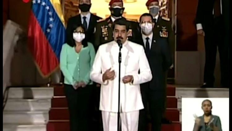 El dictador de Venezuela, Nicolás Maduro, pidió este lunes a Rusia retomar contactos con Arabia Saudita y el resto de los miembros de la Organización de Países Exportadores de Petróleo (OPEP), en busca de acuerdos para
