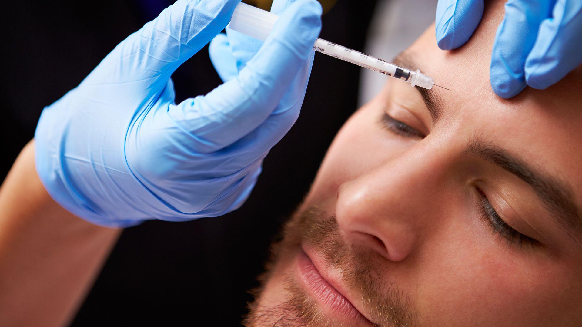 Los hombres representan el 14,4% de los pacientes de medicina estética en todo el mundo (Shutterstock)