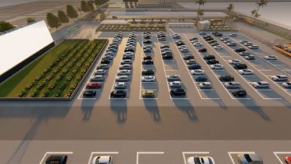 Así es el autocine de Alicante, el más grande de Europa que abrió en junio.