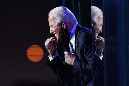 Joe Biden celebra la confirmación de su victoria tras conocerse los resultados que le otorgaban los electores que le faltaban (7 de noviembre)