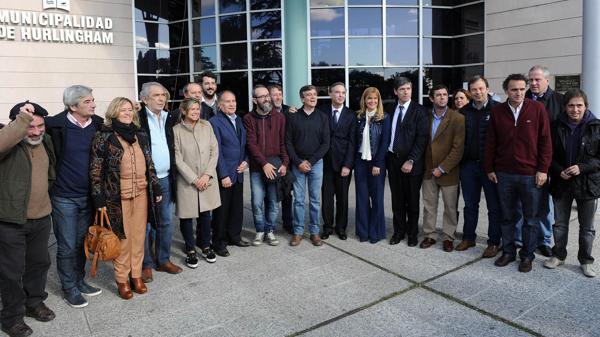 Intendentes peronistas del Conurbano se verán esta tarde en Florencio Varela
