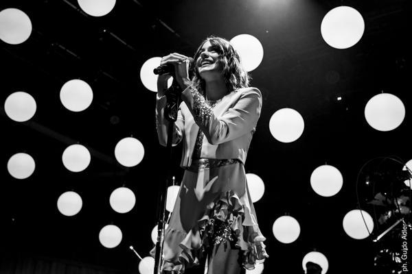 """Martina Stoessel presentó ante su público las canciones del álbum """"Tini"""""""