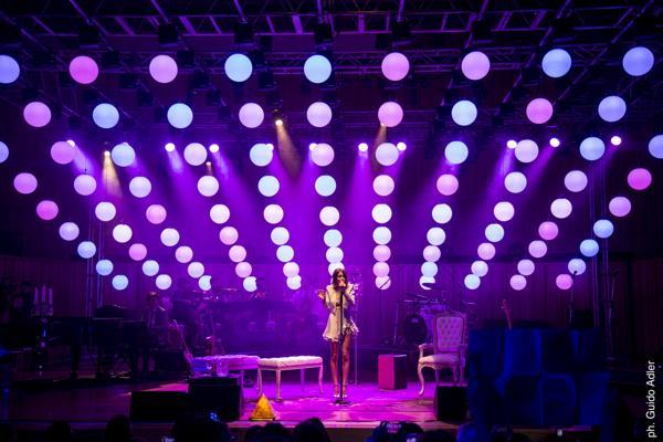 Tini fue ovacionada por su público en el centro cultural ubicado en La Boca