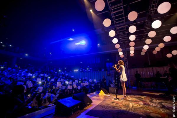 Los fans llenaron la Usina del Arte para ver a Tini Stoessel