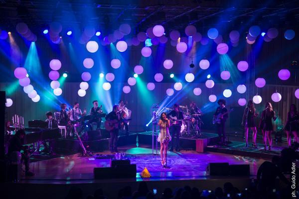 Tini presentó los temas de su nuevo álbum en dos shows gratuitos