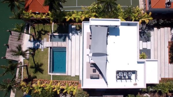 La mansión que Mayweather compró en Miami vista desde el cielo