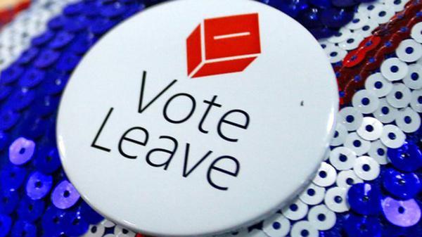 """Merchandasing de la campaña """"Leave"""""""