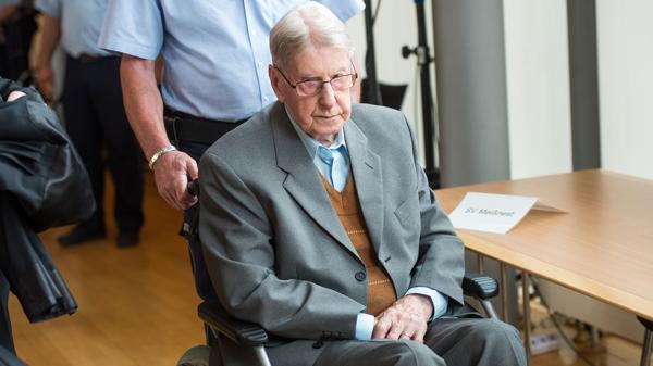 Reinhold Hanning, de 94 años, acusado de colaborar conel asesinato de miles de personas