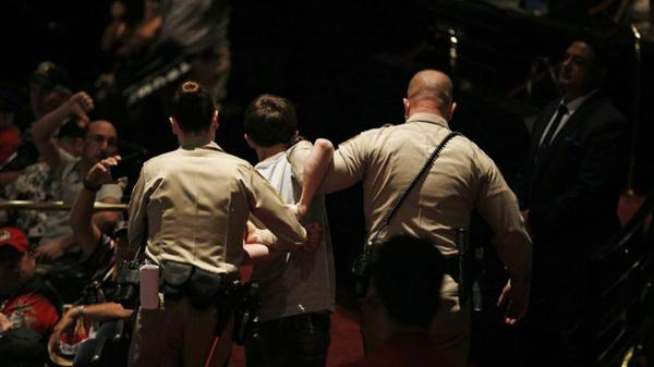 Sandford intentó quitarle un arma a un policía para agredir a Trump