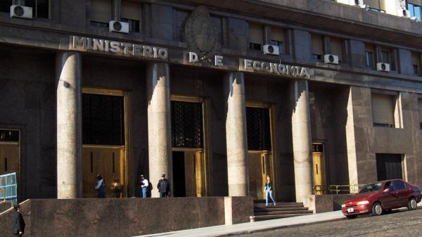 El Ministerio de Economía fue allanado por orden del juez Sergio Torres