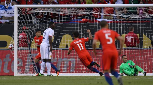 Chile festeja el gol de Aranguis(AFP)