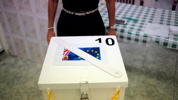 Los resultados definitivos del Brexit se conocerán recién en la mañana del viernes (Reuters)